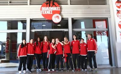 Οι γυναίκες του μπάσκετ στο γυμναστήριο Πολεμικών τεχνών