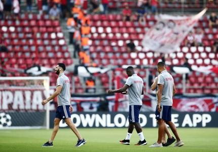 Στο γήπεδο ο Ολυμπιακός (photos)