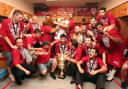Μετά το ευρωπαϊκό, πήρε και το πρωτάθλημα (photos, video)