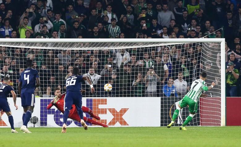 Το Europa League θυμήθηκε τη μυθική, διπλή απόκρουση του Σα (video)