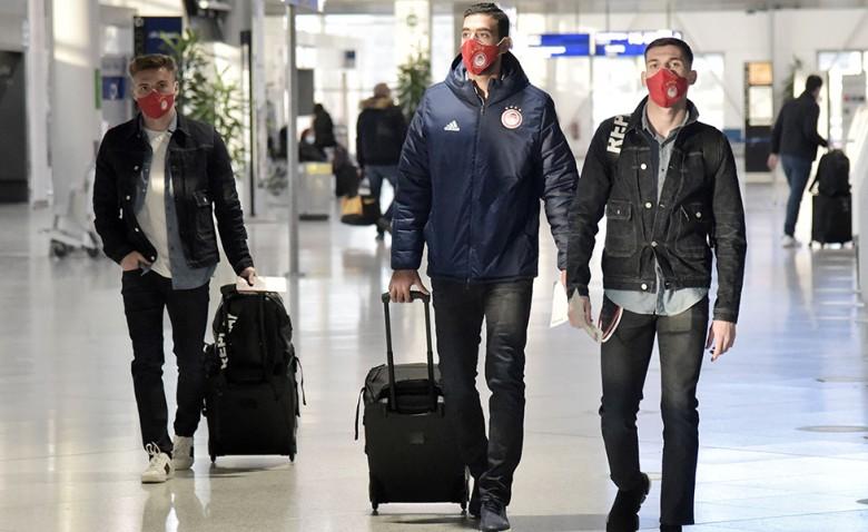 Αναχώρησε η αποστολή του Ολυμπιακού (photos)