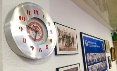 Θρυλικό ρολόι στην αίθουσα συνεδριάσεων!