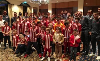Δίπλα στην ομάδα η σχολή Θεσσαλονίκης (photos)