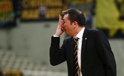 Ξύπνησε και ο προπονητής της ΑΕΚ και... απορεί!