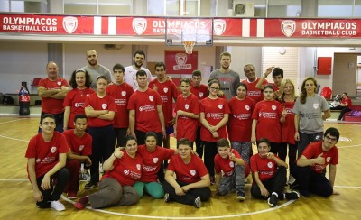 One Team: Μεγαλείο Θρύλου! (video)