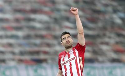 (Και) Αυτός είναι ο λόγος που ήρθε ο Παπασταθόπουλος! (photo)
