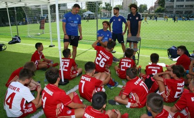 Legends 2004 Youth Cup στον Πειραιά