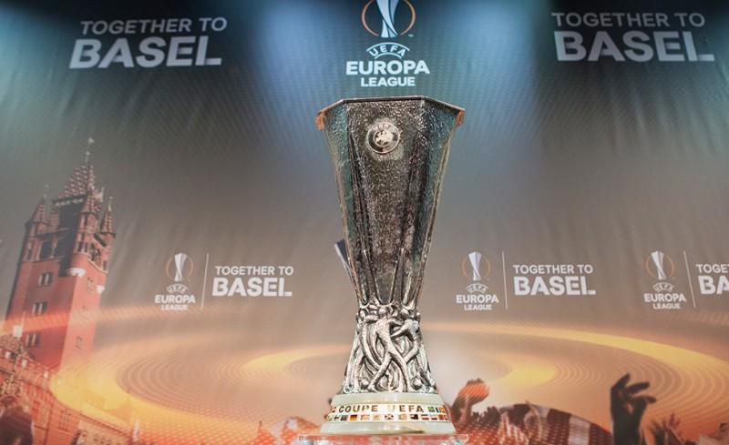 Εμείς Europa League, αυτοί με... προπαγάνδα