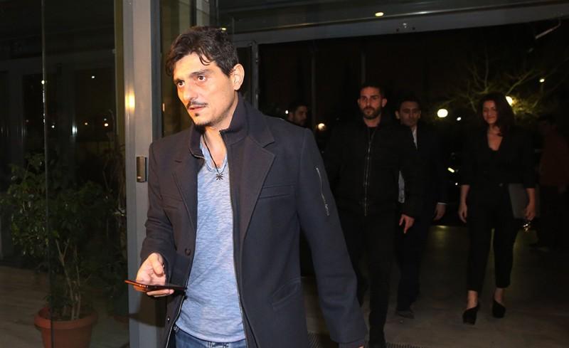 Αίσχος: Έφτυσε τον Σκινδήλια ο Γιαννακόπουλος!