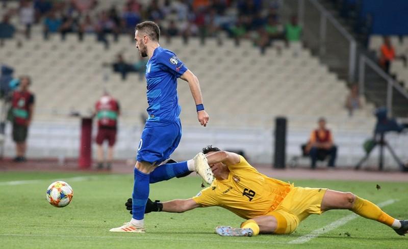 Ο Ολυμπιακός αποθέωσε τον Φορτούνη (photo)