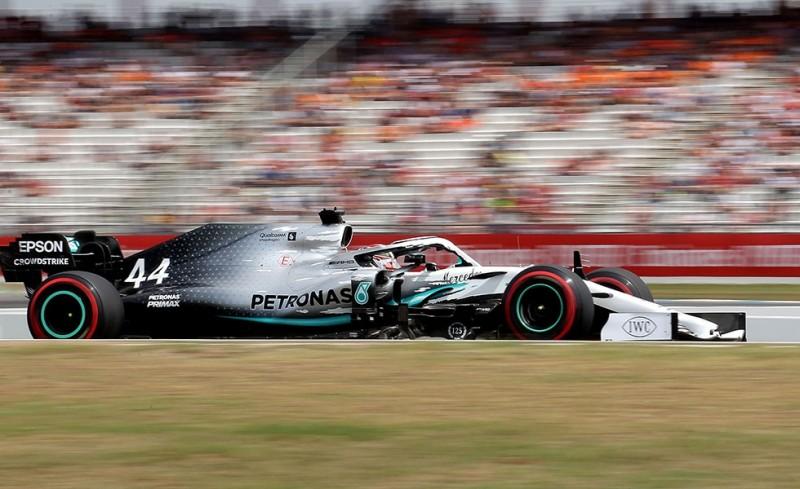 Formula 1: Εκκίνηση στις 18:00 με Μαξ Φερρστάπεν και Λιούς Χάμιλτον! (video)